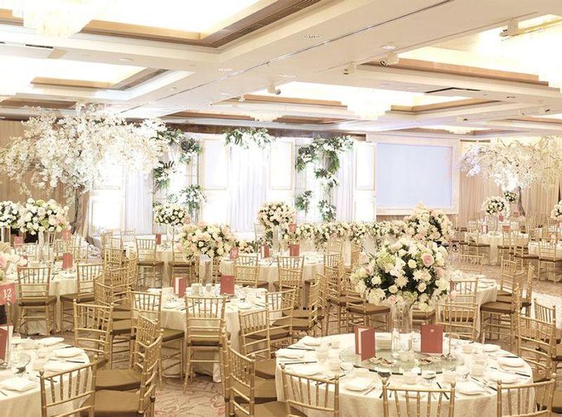 paket-venue-ballroom-pernikahan-di-jakarta-di-bawah-rp-200-juta-1