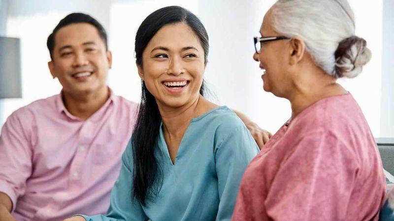 panduan-membagi-waktu-untuk-orang-tua-dan-mertua-setelah-menikah-1