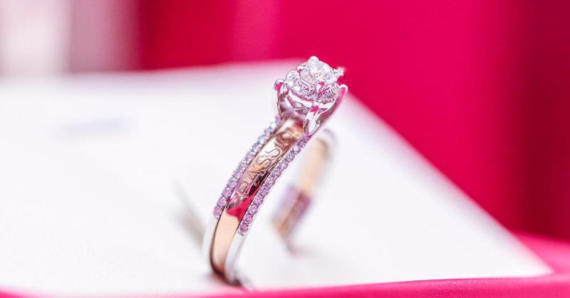 tips-memilih-cincin-tunangan-dan-pernikahan-1