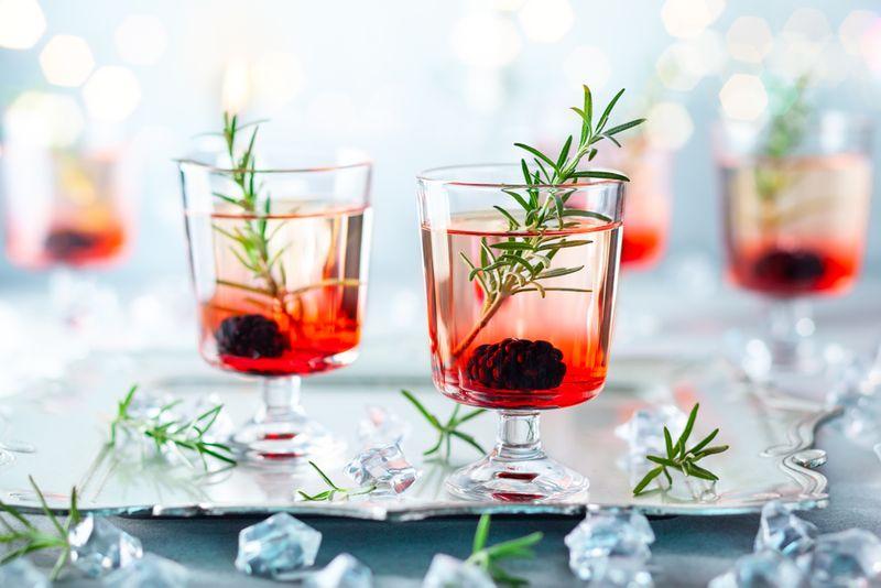 8-pilihan-signature-cocktails-untuk-selebrasi-cinta-anda-bersama-pasangan-1