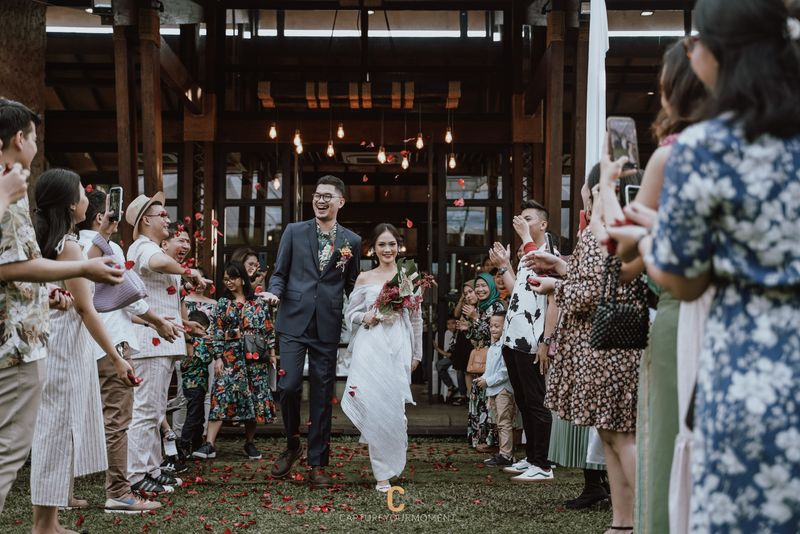 inspirasi-pernikahan-di-bawah-budget-rp-50000000-breezy-rustic-1