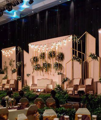 04-daydreaming-works-putri-main-stage-wedding-BJdSXDVzS.jpg