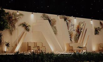 05-daydreaming-works-geigi-main-stage-wedding-HkOrQvVMH.jpg