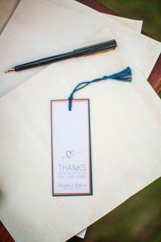 bookmark-jono-and-laynie-SJ0v0mR0m.jpg