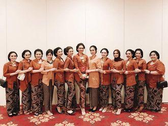 bridesmaids-ig-ayudiac-and-tbbf-ry1LYbPnM.jpg