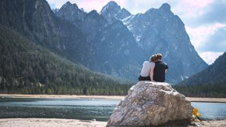 pick-honeymoon-dating-style-adventure-anywhr-r1sk5oyOX.jpg