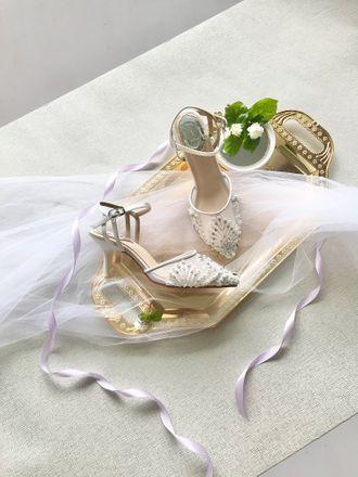 reginy-aveda-footwear-SJMI0-boL.jpg