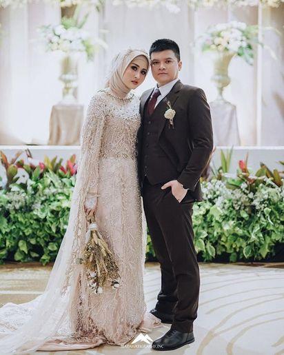 wedding dress hijab